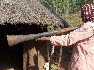 Baskeet mourning instrument: moyza (owner: Terefe Kebbede Fudilukko)