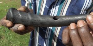 B'ita (2): instrument made from an antelope horn